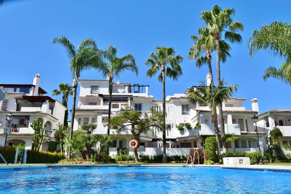 Apartamentos Serinamar, Marbella, Spain, bed & breakfasts near mountains and rural areas in Marbella