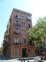 Be Happy Hostal, Barcelona, Spain, where to rent an apartment or apartbed & breakfast in Barcelona