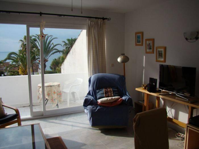 Casa del Loro Bailador, Estepona, Spain, bed & breakfasts for vacationing in winter in Estepona