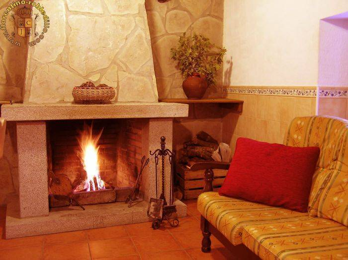 Casa Rural El Berrueco (Rural House), Robledillo, Spain, Spain hostels and hotels
