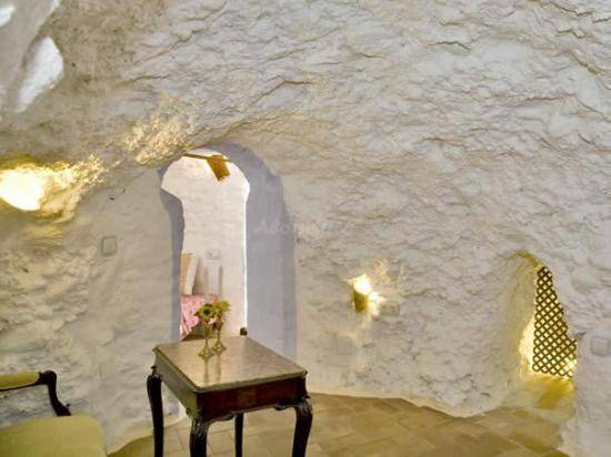 Cristina Hoyos House-Cave, Trevelez, Spain, everything you need to know in Trevelez