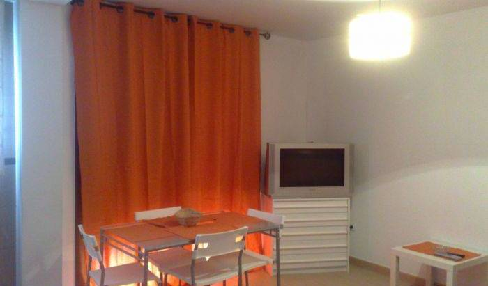 A1A Flat Hostel - Search available rooms and beds for hostel and hotel reservations in Malaga 11 photos