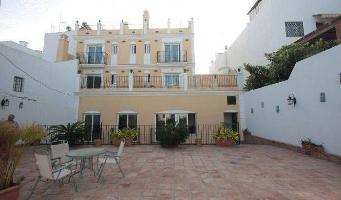 Apartamentos Nerjaluna - Get cheap hostel rates and check availability in Nerja 22 photos