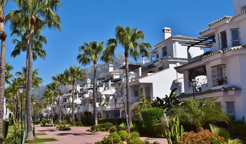 Apartamentos Serinamar - Search for free rooms and guaranteed low rates in Marbella, cheap hostels 20 photos