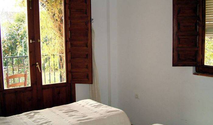 Casa del Jardin Holiday Home - Search available rooms and beds for hostel and hotel reservations in Trevelez 4 photos