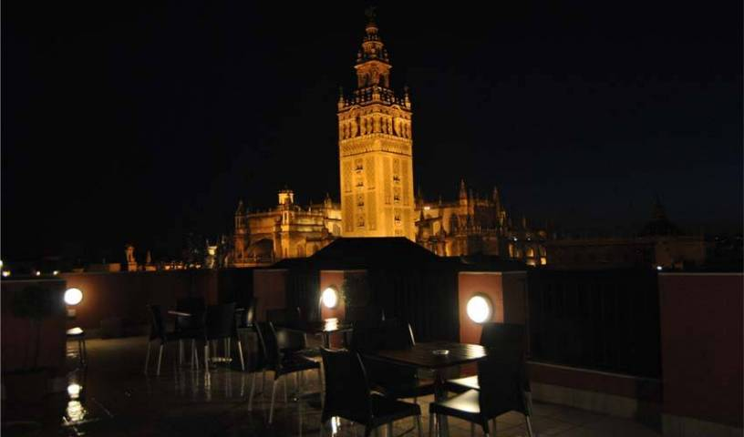 Grand Luxe Hostel - Get cheap hostel rates and check availability in Sevilla 23 photos