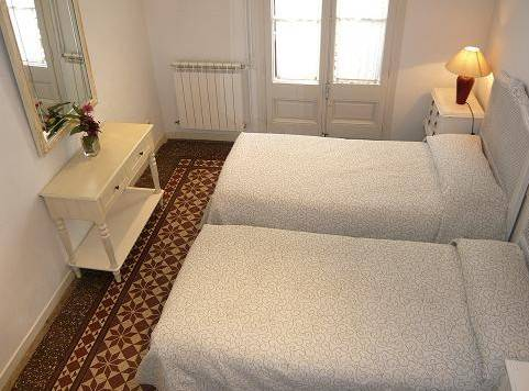 Gran Via Apartment, Barcelona, Spain, youth hostels for the festivals in Barcelona