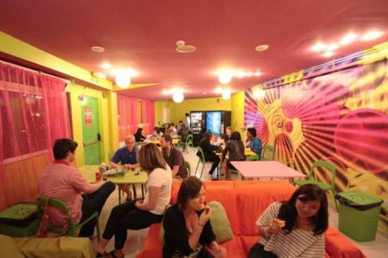 Hillview Barcelona Youth Hostel, Barcelona, Spain, find many of the best hostels in Barcelona