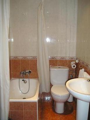 Hostal El Pilar, Madrid, Spain, go on a cheap vacation in Madrid