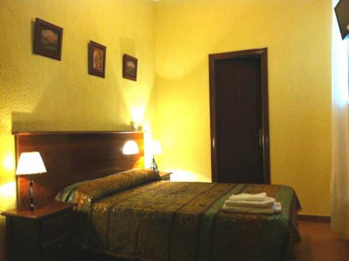 Hostal Giraldilla, Sevilla, Spain, Spain hostels and hotels