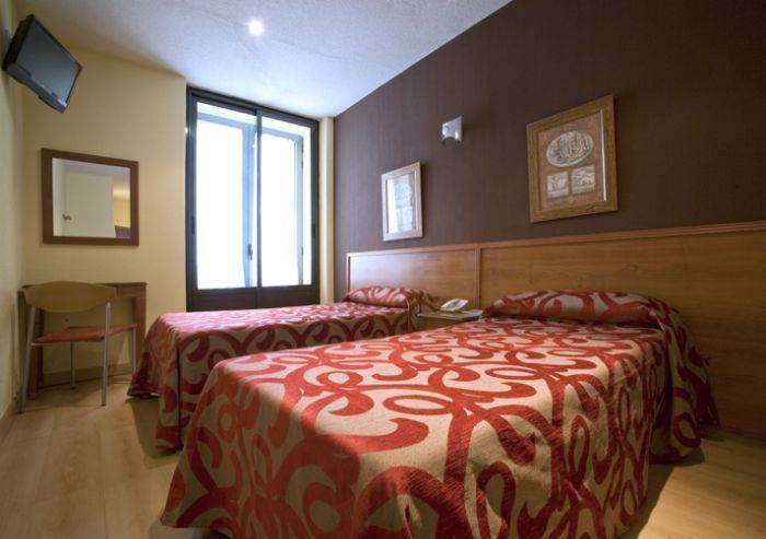 Hostal Persal, Madrid, Spain, Spain hostels and hotels