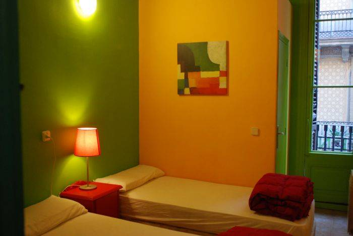 Hostal V Downtown, Barcelona, Spain, Spain ostelli e alberghi