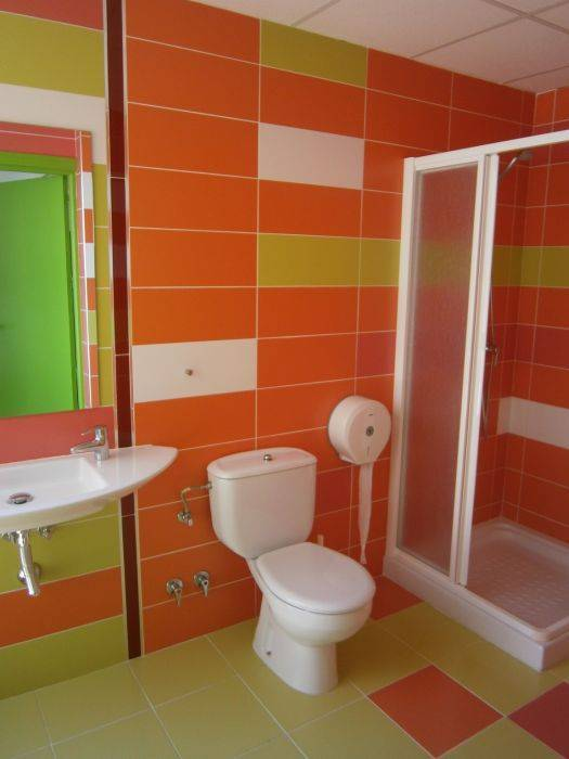 Thehub Calpe Hostel and Bar, Calp, Spain, we offer the best guarantee for low prices in Calp