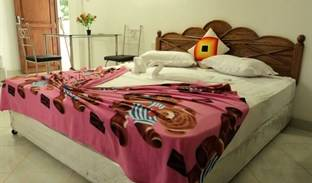 Rukmali Hotel - Get cheap hostel rates and check availability in Alakoladeniya 17 photos