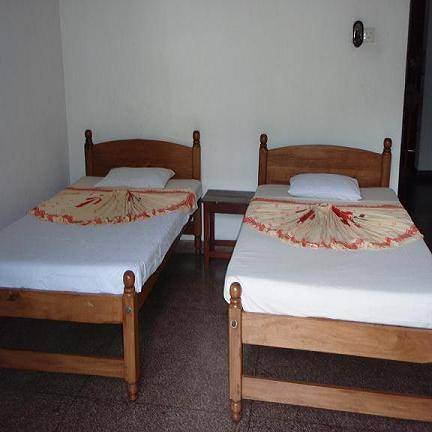 Majestic Tourist Hotel, Kandy, Sri Lanka, rural hostels and backpackers in Kandy