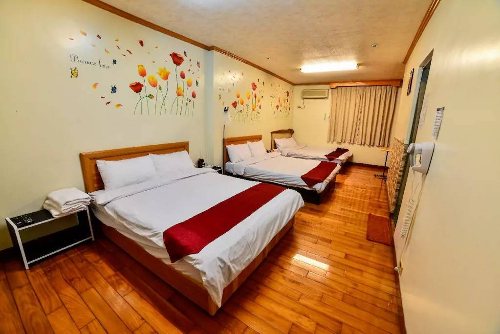 Tainan Dongfeng Hostel, Tainan, Taiwan, recommendations from locals, the best hostels around in Tainan