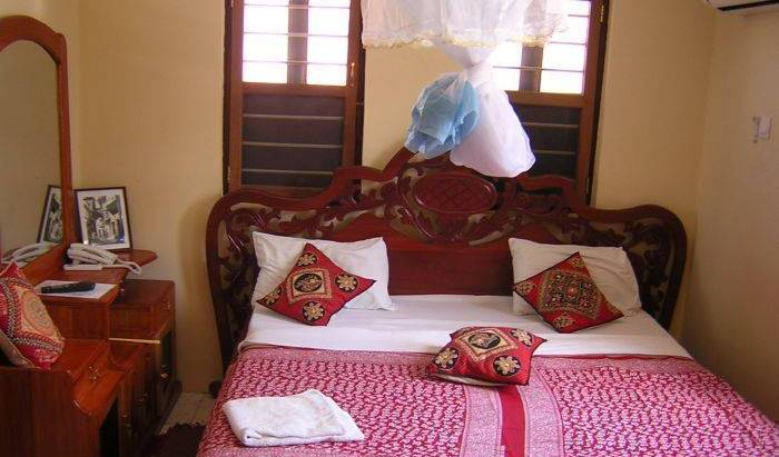 Funguni Palace Hotel Zanzibar -  Stone Town, how to spend a holiday vacation in a bed & breakfast in Kinduni, Tanzania 1 photo