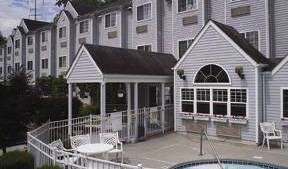 Guesthouse International Inn - Search for free rooms and guaranteed low rates in Pigeon Forge, backpacker hostel 8 photos