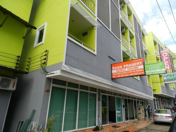 Baan Prasert Guesthouse, Patong Beach, Thailand, Thailand hostels and hotels