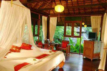 Ban Sabai Village Resort and Spa, Amphoe Muang, Thailand, what is a backpackers hostel? Ask us and book now in Amphoe Muang
