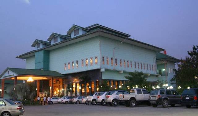 13 Coins Airport Grand Resort - Search for free rooms and guaranteed low rates in Bang Kho Laem 7 photos