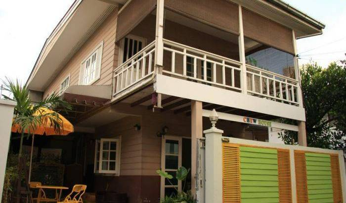 Chewhouse - Get cheap hostel rates and check availability in Bang Kho Laem 17 photos