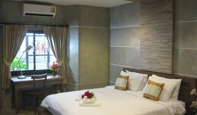 Komol Residence Bangkok - Get cheap hostel rates and check availability in Bangkok 32 photos