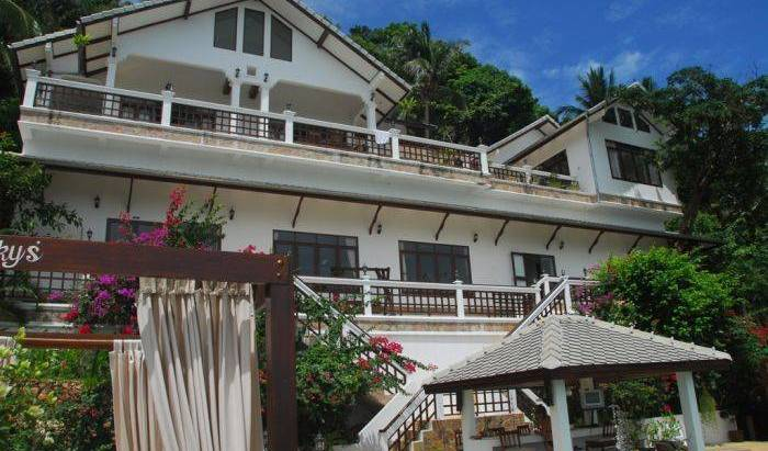 Robert Villa Hotel Koh Samui - Search available rooms and beds for hostel and hotel reservations in Amphoe Ko Samui, pet-friendly hostels, backpackers and B&Bs 15 photos