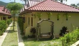 Saver Guesthouse - Search for free rooms and guaranteed low rates in Amphoe Ko Samui 7 photos