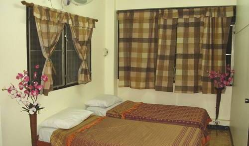 Sinad Guesthouse - Search available rooms and beds for hostel and hotel reservations in Bang Kho Laem, Michelin rated hostels in Samut Songkhram, Thailand 4 photos