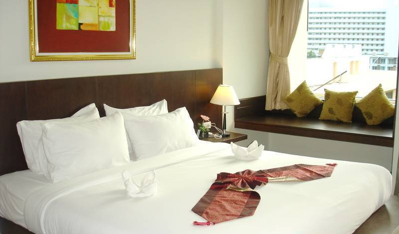 SM Resort -  Patong Beach, reserve popular bed & breakfasts with good prices in Karon Beach, Thailand 72 photos