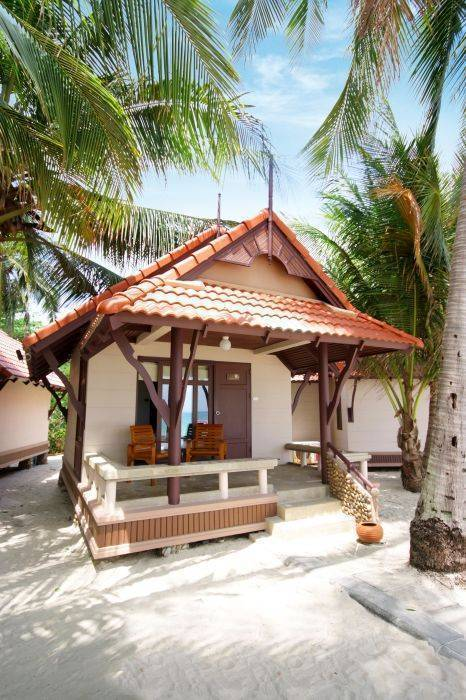 First Bungalow Beach Resort, Amphoe Ko Samui, Thailand, Thailand hostels and hotels