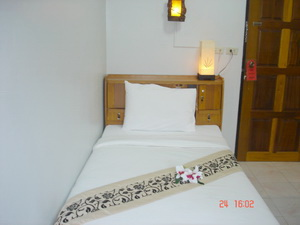 Lamai Apartment, Patong Beach, Thailand, experience living like a local, when staying at a hostel in Patong Beach