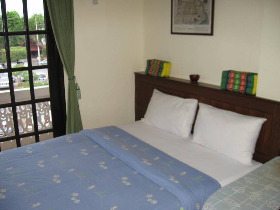 Queen Victoria Inn, Chiang Mai, Thailand, gift certificates available for hostels in Chiang Mai