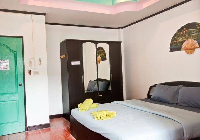 Stanley's Guesthouse, Patong Beach, Thailand, best trips and travel vacations in Patong Beach