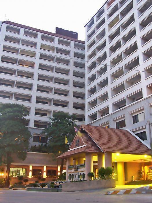 TD Place Hotel, Ban Bang Muang, Thailand, backpacking near me in Ban Bang Muang