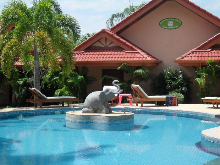 The Happy Elephant Resort, Ban Rawai, Thailand, Thailand hostels and hotels