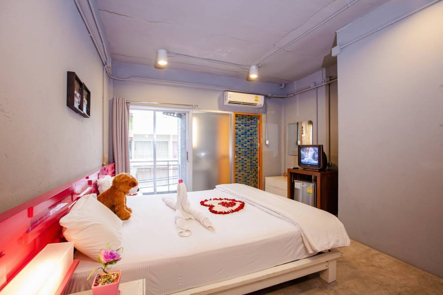 The Oddy Hip Hotel, Patong Beach, Thailand, Thailand hostels and hotels