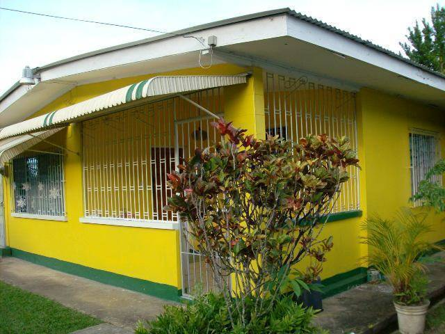 Tony's Guest House 2, Diego Martin, Trinidad and Tobago, find bed & breakfasts with restaurants and breakfast in Diego Martin