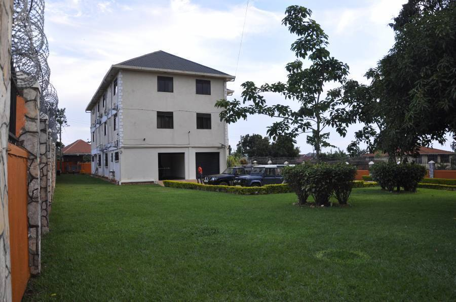 Frontiers Inn Guest House, Entebbe, Uganda, HostelTraveler.com receives top ratings from customers and hostels as a trustworthy and reliable travel booking site in Entebbe
