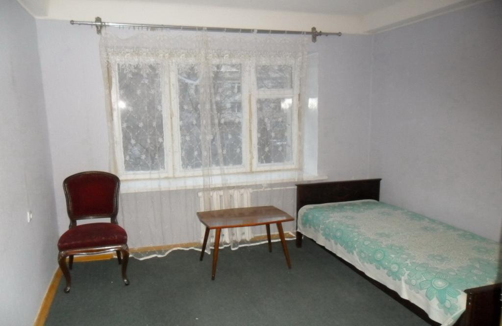 Levoberegna House, Kiev, Ukraine, backpacking and cheap lodging in Kiev