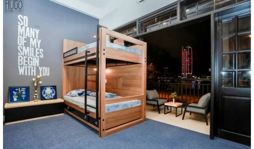 Barney's Backpackers Hostel, bed and breakfast bookings 7 photos