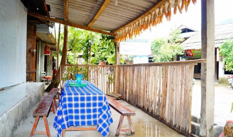 Du Gia Backpacker Hostel, reliable, trustworthy, secure, reserve confidently with BedBreakfastTraveler.com 12 photos