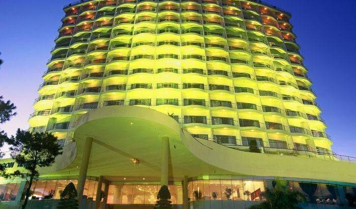 Sai Gon Ha Long Hotel, bed & breakfast bookings for special events 12 photos
