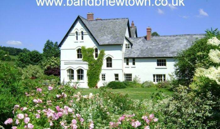 The Forest Country Guest House -  Newtown, bed and breakfast bookings 5 photos