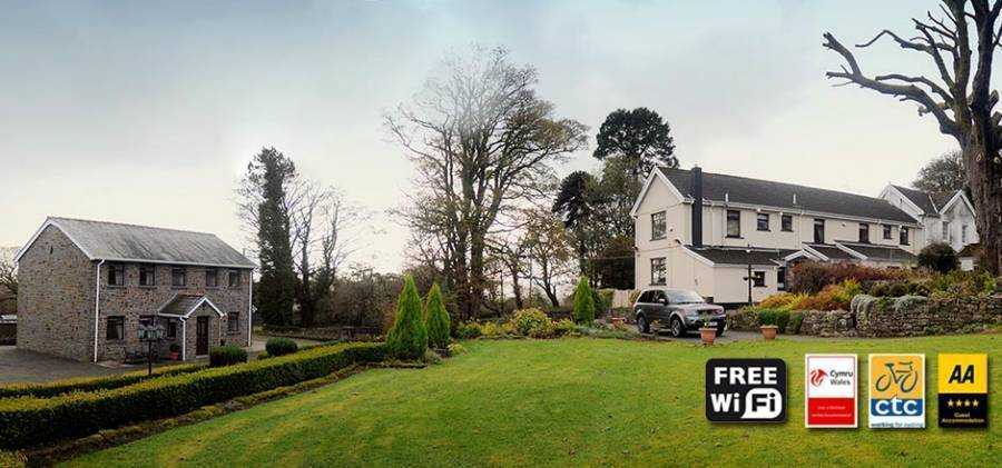 Penrhadw Farm, Merthyr Tydfil, Wales, Wales bed and breakfasts and hotels