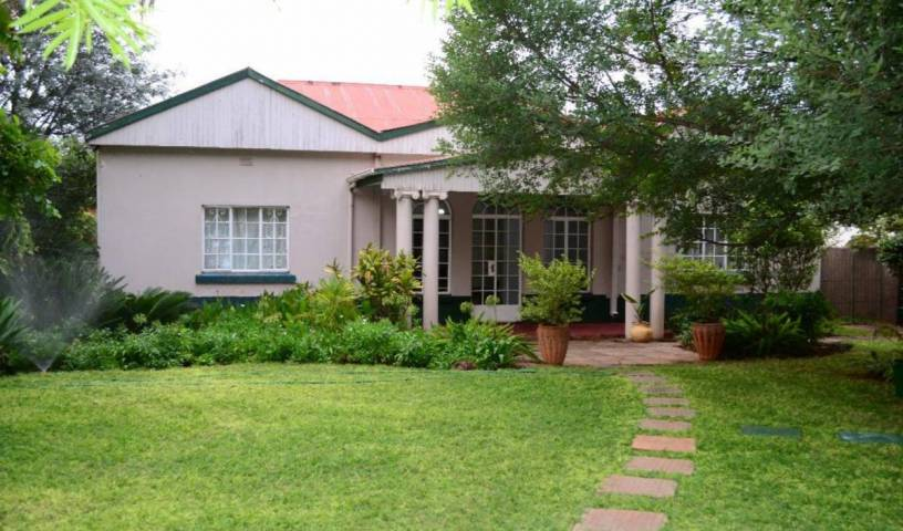 Breeze Guest House -  Bulawayo, cheap bed and breakfast 7 photos
