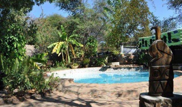 Victoria Falls Backpackers - Search for free rooms and guaranteed low rates in Zimbabwe 13 photos