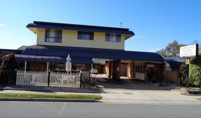 Parkway Motel - Get cheap hostel rates and check availability in Queanbeyan, cheap hostels 10 photos
