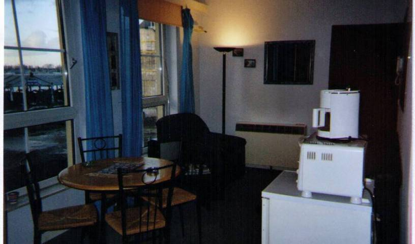 De Bedstay - Search available rooms and beds for hostel and hotel reservations in Antwerp 7 photos